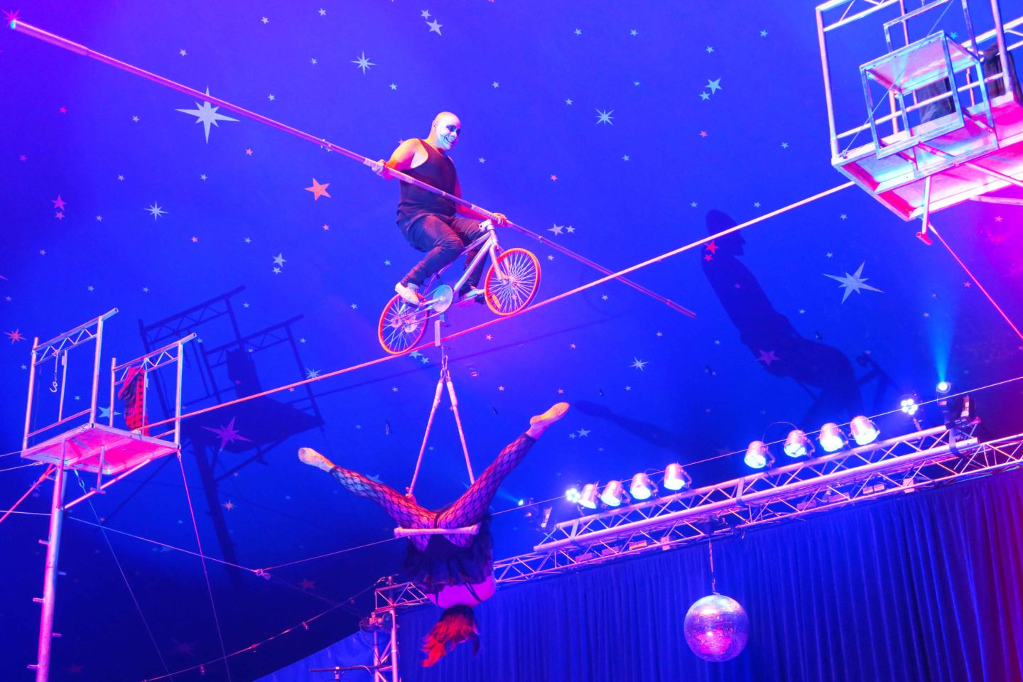 paulos circus tight rope