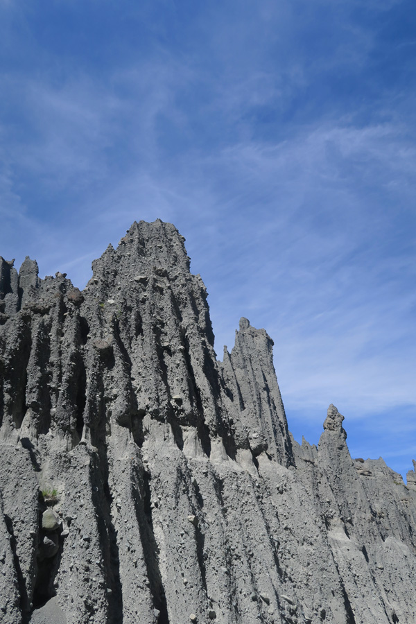 putanguira pinnacles from lord of the rings